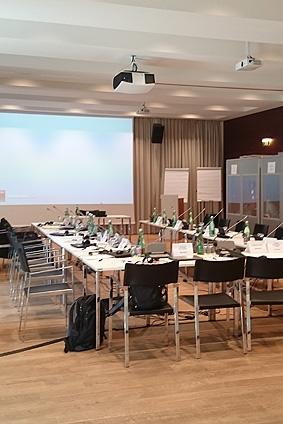 Konferenzdolmetscher Deutsch Französisch Englisch Chinesisch - Berlin & Frankfurt